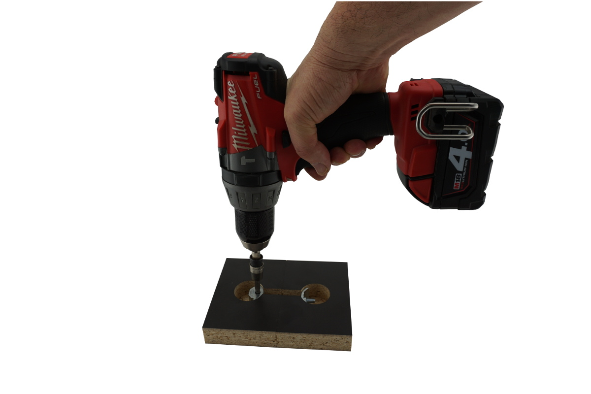 Power tool tightening Zipbolt